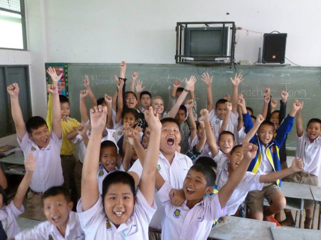 Guaranteed Paid Teaching Job in Thailand after graduating with Pro TEFL